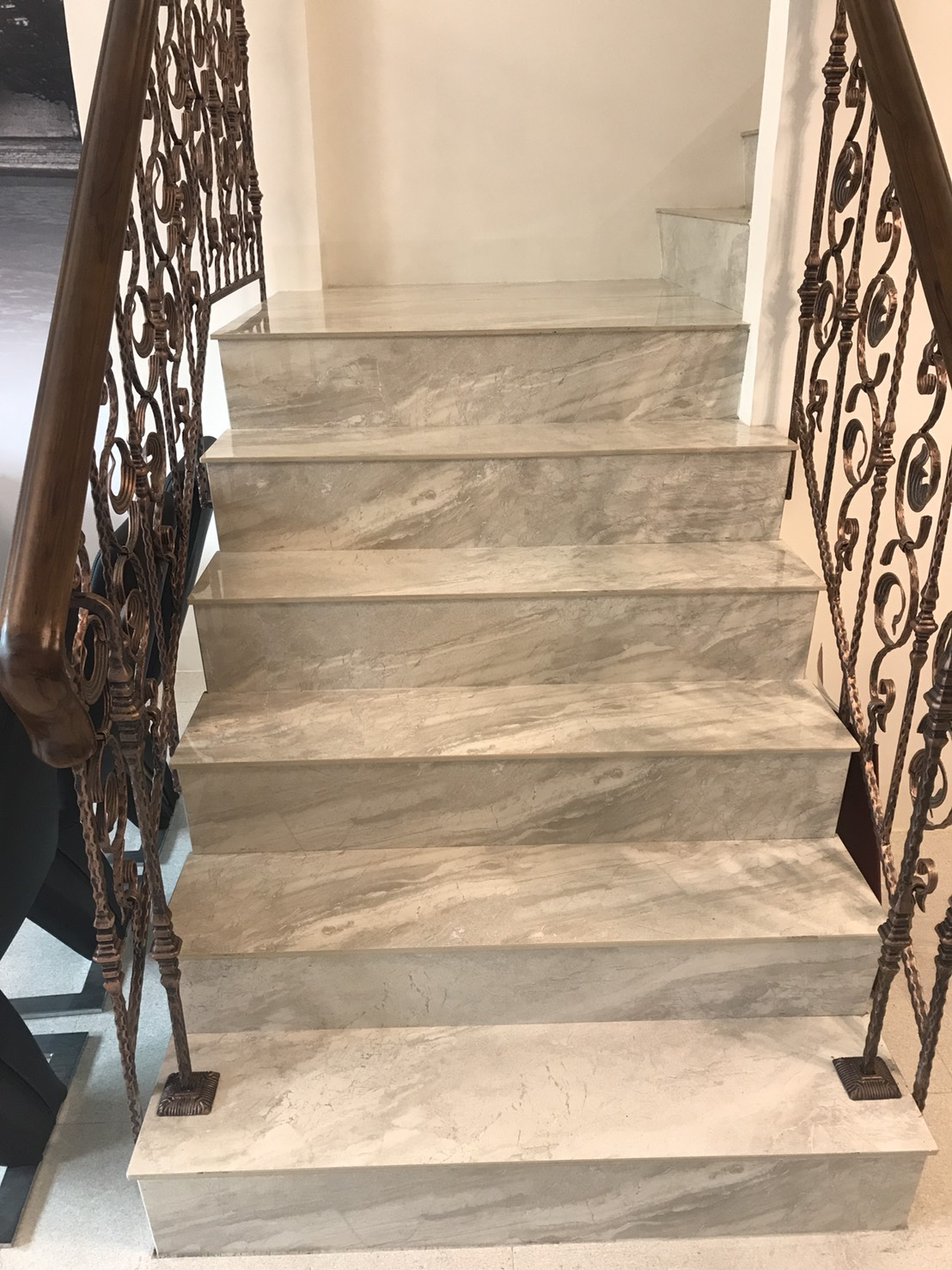 樓梯  /